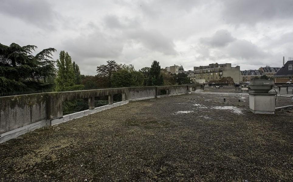 Le toit du groupe hospitalier Sainte-Perrine dans le 16e. © Jean-Pierre Viguié
