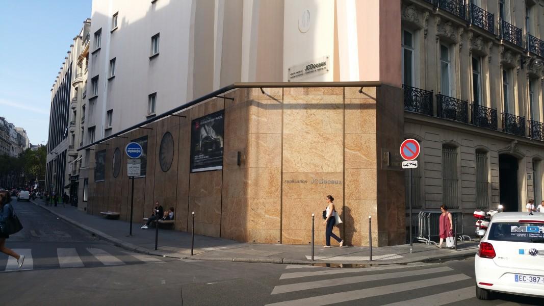 Mur avenue Delcassé. Source : FCDecaux ©