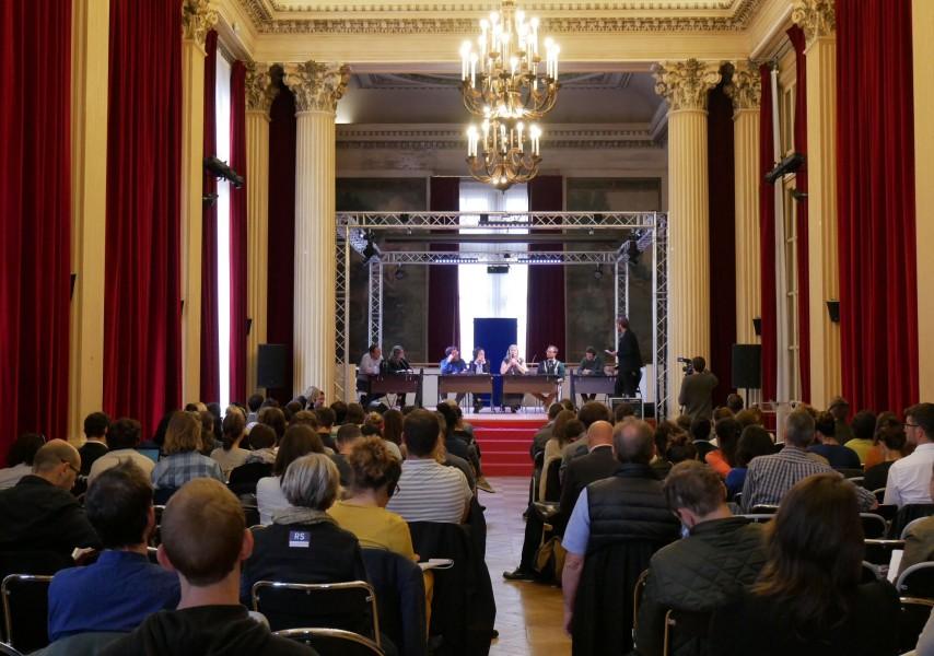 La conférence internationale du 2 octobre à la mairie du 10e. © Sarah Langinieux-Cityside