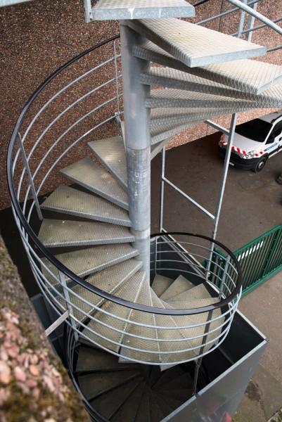 Bâtiment administratif rue du Pré. Détail accès toit-terrasse végétalisé. Source : Mairie de Paris Christophe Noel ©