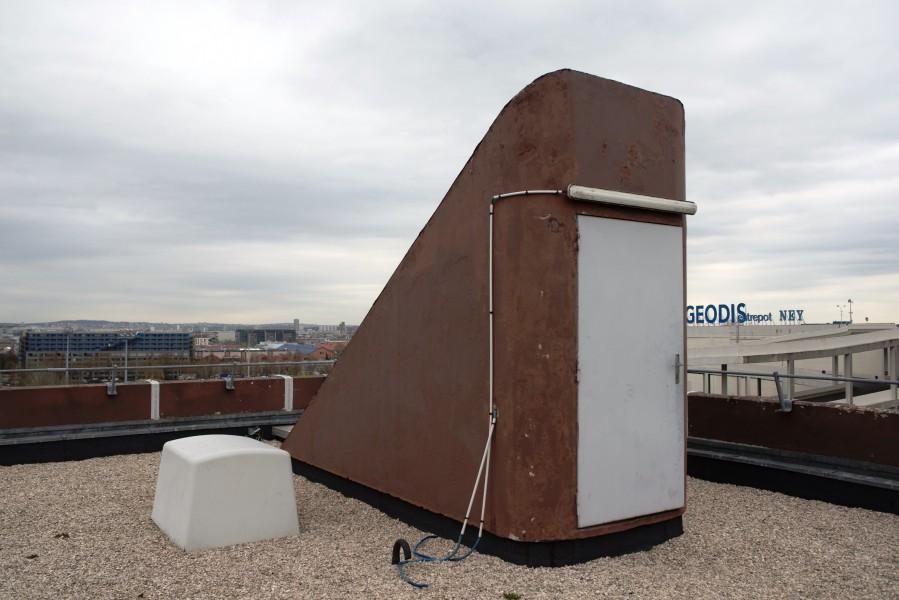 Bâtiment administratif rue du Pré. Détail accès toit-terrasse. Source : Mairie de Paris Christophe Noel ©